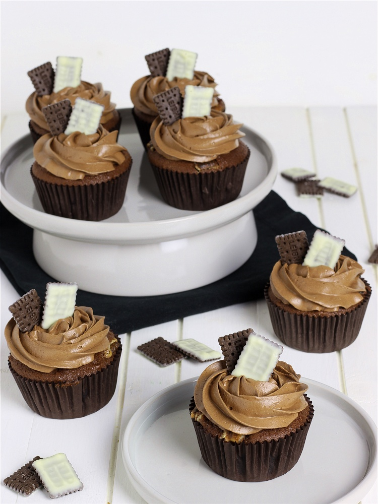 Double Chocolate Cookie Cupcakes