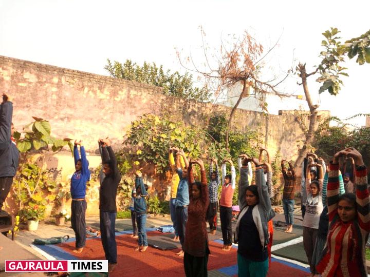 yoga by patanjali in gajraula