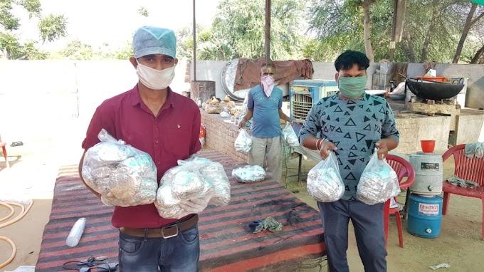 नवलगढ़वासियों के लिए मददगार साबित हो रहा है जनता प्रवासी सम्पर्क केंद्र