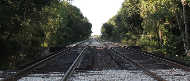 Vías del tren a través de Palmdale