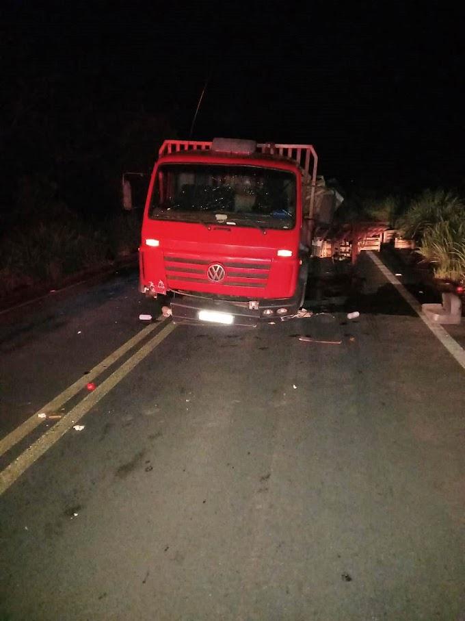 Caminhão se choca na ponte da MT 010 em Rosário Oeste