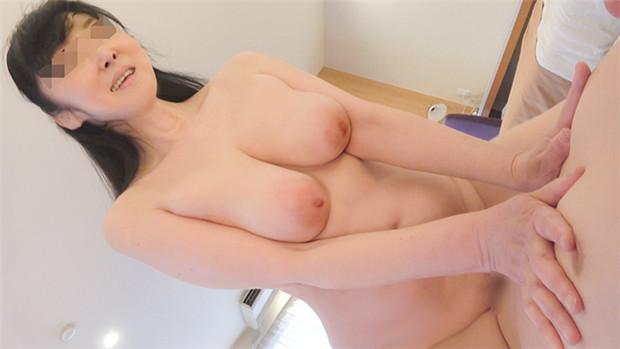 FC2 PPV 1434623 【個人】爆乳Gカップ奥さん55歳にハメ撮り強要。熟...