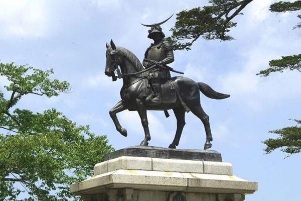 ปราสาทเซนได (Sendai Castle: 仙台城)