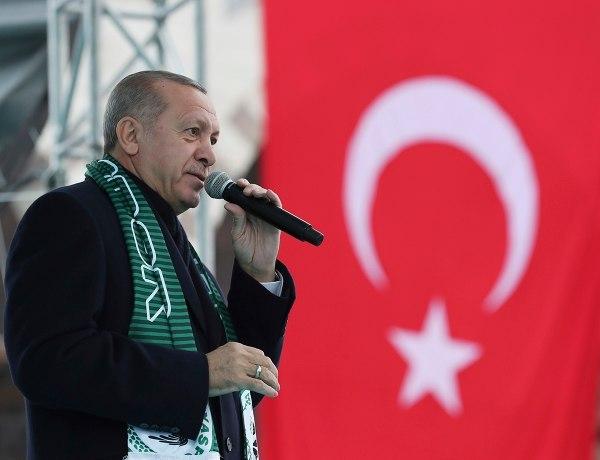 Ερντογάν: «Θετικές Απαντήσεις από τον Τραμπ»