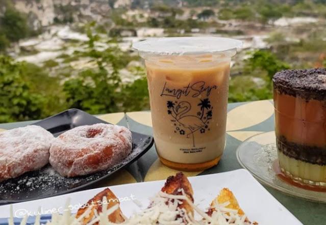 harga menu cafe gresik seru, lokasi cafe gresik seru, jam buka cafe gresik seru, menu cafe gresik seru, harga cafe gresik seru, cafe di gkb gresik, bukit delight cafe gresik, cafe di menganti gresik, cafe di gresik yang buka pagi