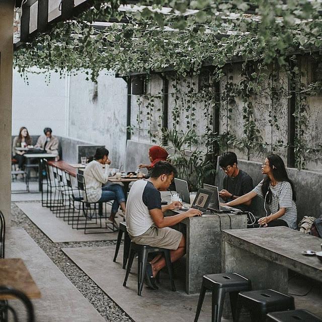 Tempat Nongkrong / Cafe Hits di Malang dan Batu Terbaru 2021 yang Instagramable