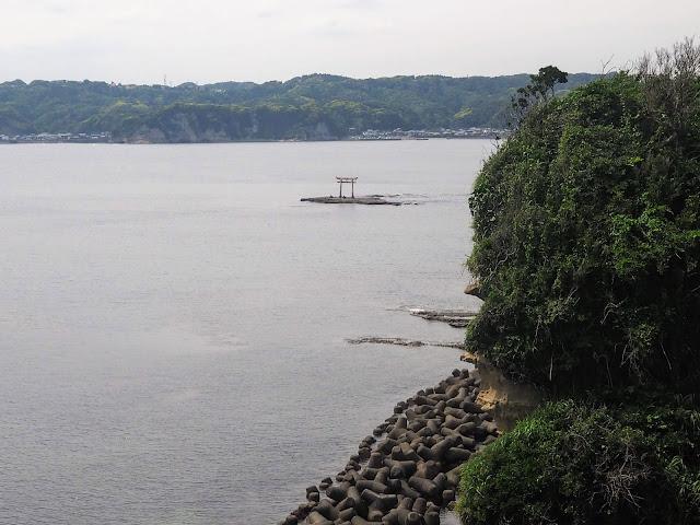 勝浦 八幡岬公園 沖の鳥居