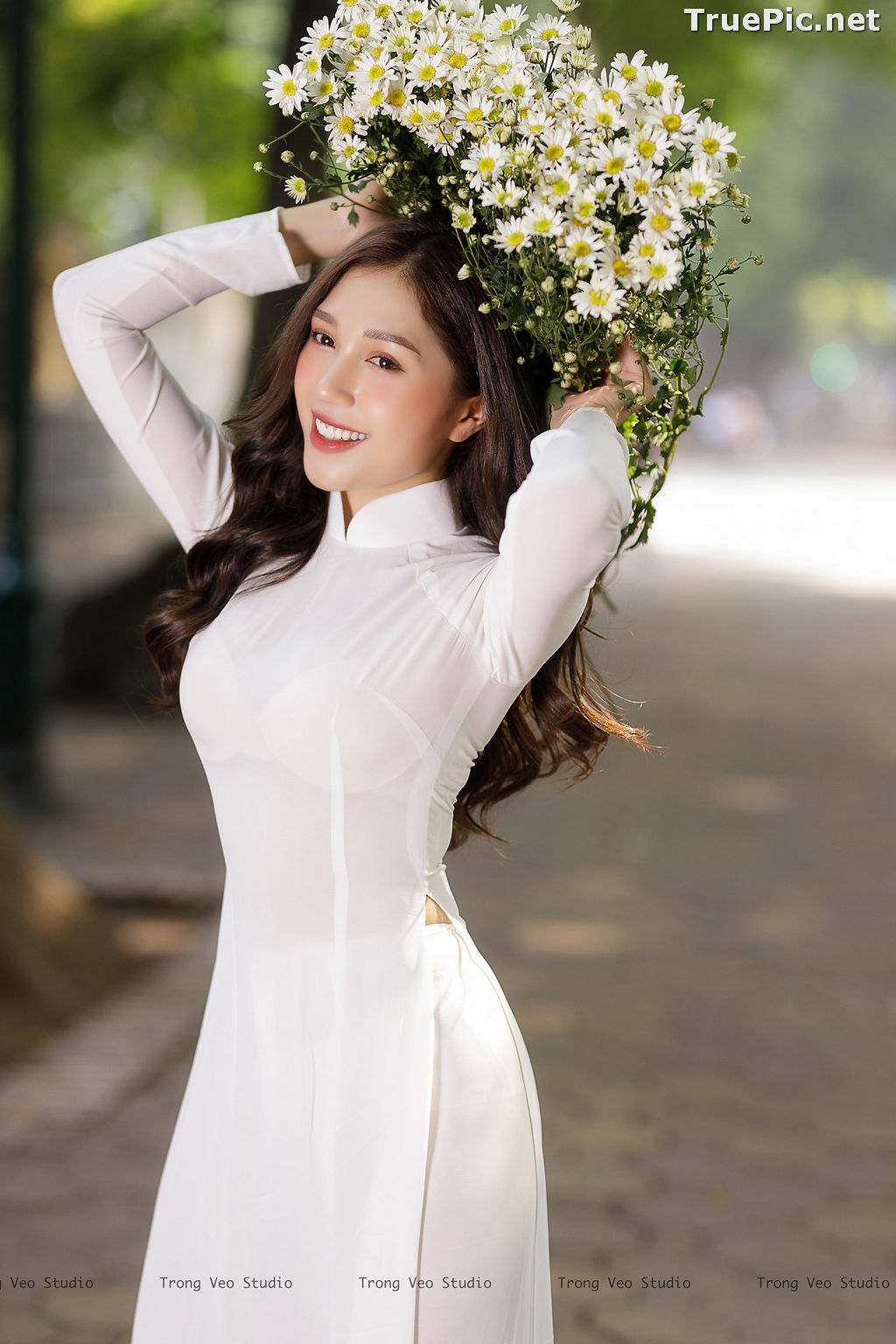 Image The Beauty of Vietnamese Girls with Traditional Dress (Ao Dai) #1 - TruePic.net - Picture-10