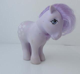 Oui, j'ai gardé mon petit poney. On ne jette pas ces choses-là.