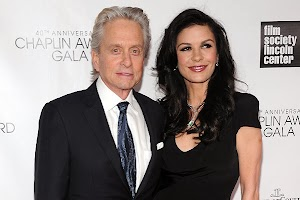Catherine Zeta-Jones and Michael Douglas again donned wedding rings