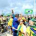 Moradores da Barra dizem 'Fora Bolsonaro' em ato do voto impresso e bolsonaristas devolvem: 'maconheiros'