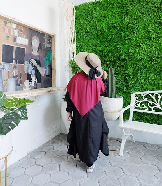 studio foto wisuda surabaya, outif, studio foto murah surabaya