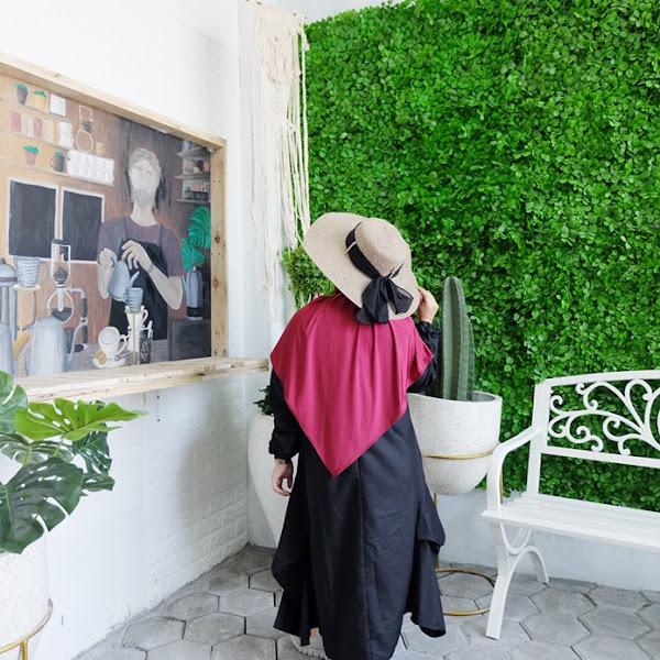 Chill Bill, Sewa Studio Foto Tematik Di Surabaya