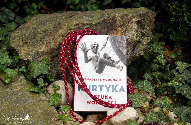 Wiedźmowa głowologia, biografia, recenzje książek, wydawnictwo Agora