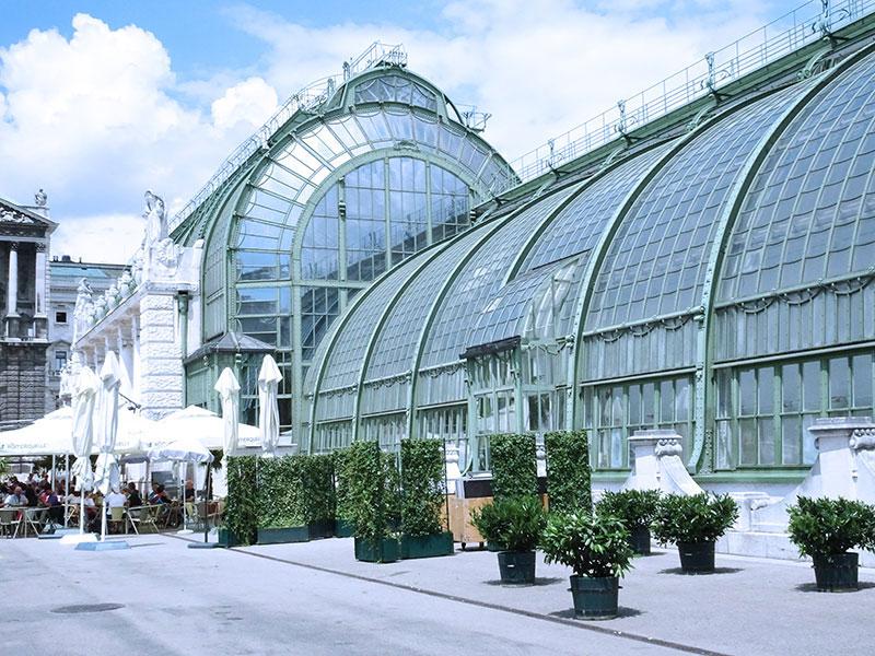 Wien_Vienna_Daytrip_Travel_Guide_Burggarten