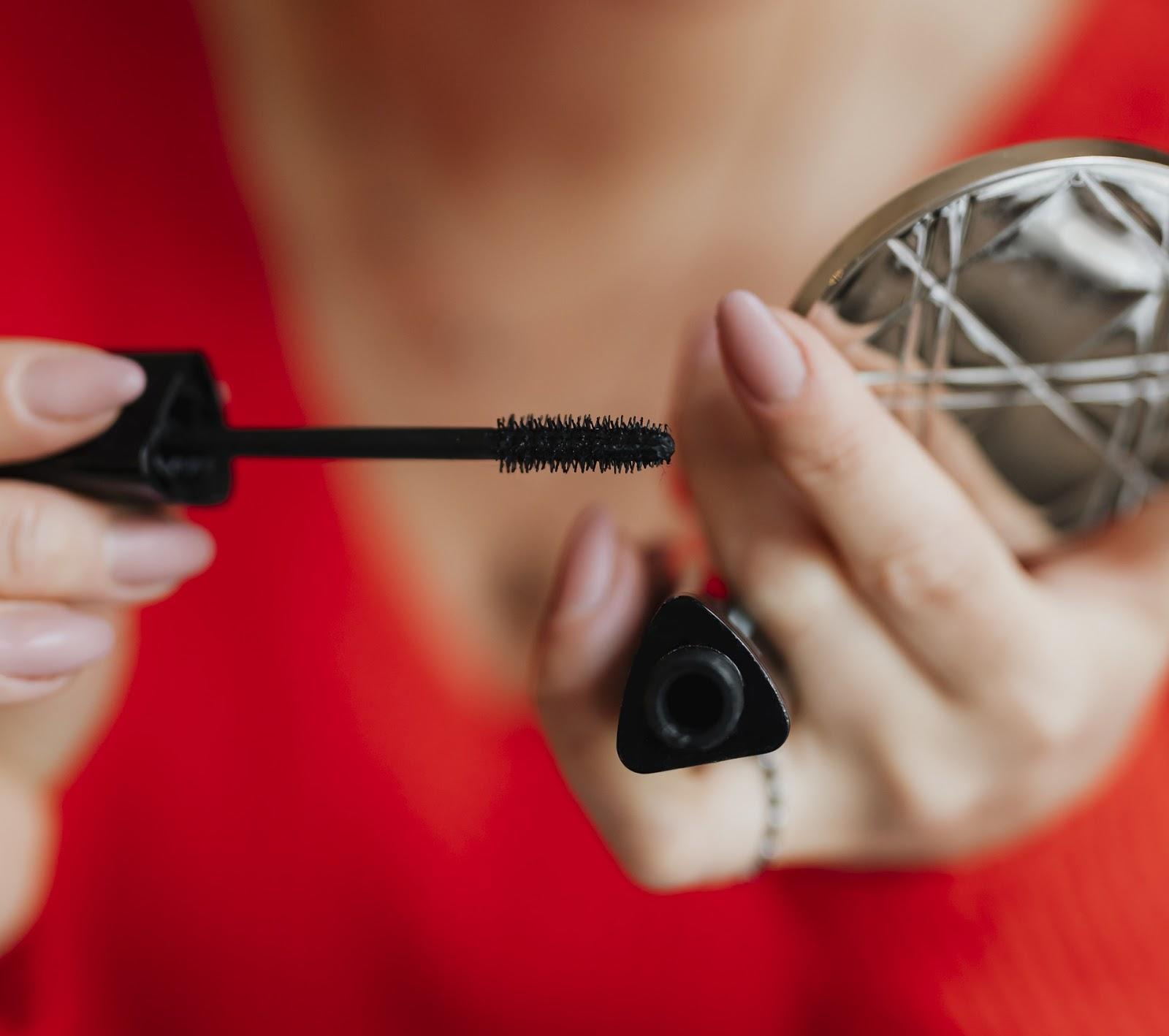 Koniec z pisaniem nieprawdy na opakowaniach kosmetyków ? / Słowa nie zawiera i hipoalergiczny maja zniknąć z opakowań -  zmiany w prawie od 1 lipca 2019