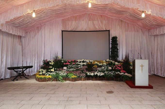 告別式會場喪禮佈置總整理|告別式照片、牌樓、花海價格一目了然