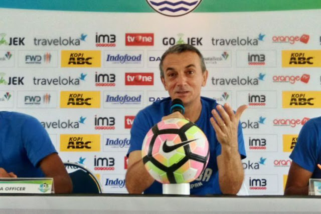Milomir Seslija Pelatih Baru Persib Bandung Pengganti Djanur