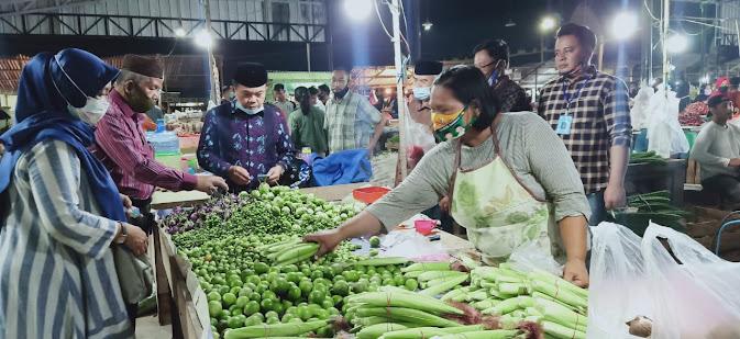 Tengah Malam Haris Blusukan ke Pasar Induk Talang Gulo