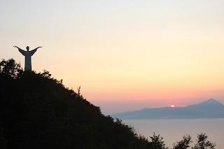 Il Redentore immerso nel tramonto