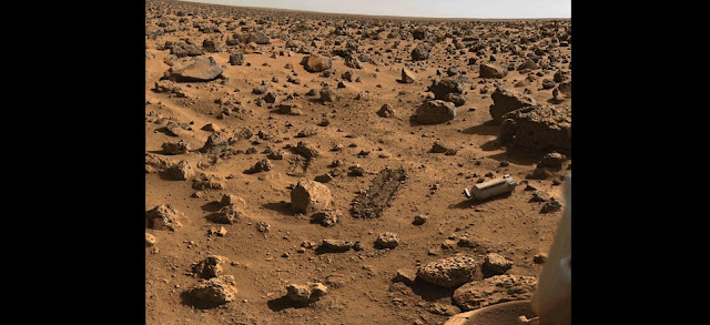 This is the landing site on Mars of Viking Lander 2, which operated on the planet surface for 1,316 days and was turned off in 1980 when its batteries failed. Photo from Mary A. Dale-Bannister, Washington University in St. Louis
