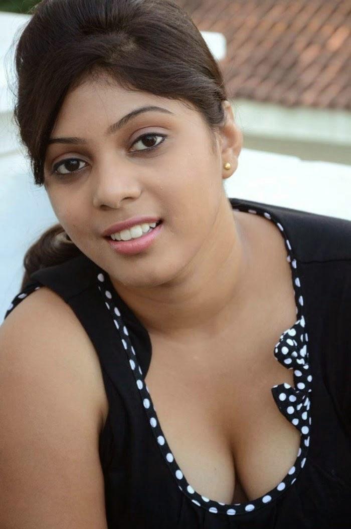 Pin by ️Archana ️ on hot dress | Indian women fashion