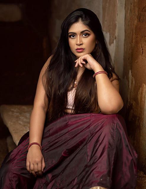 Actress Raksha Somashekhar Latest Pictures Navel Queens