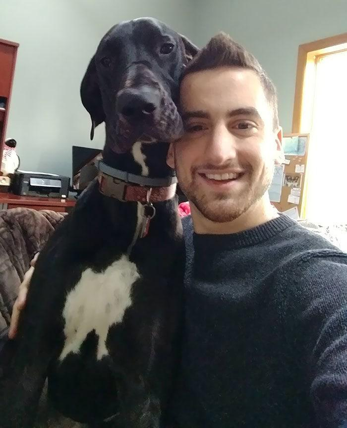 5. I taught my dog ​​to pose for a selfie