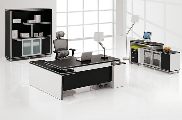 Khi lựa chọn bàn giám đốc cao cấp, doanh nghiệp nên tập trung vào sự phù hợp, tương xứng giữa thiết kế bàn và tổng thể không gian