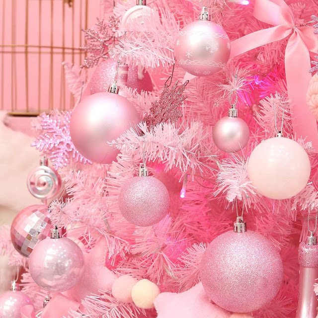 decorative-christmas-ball-ornaments