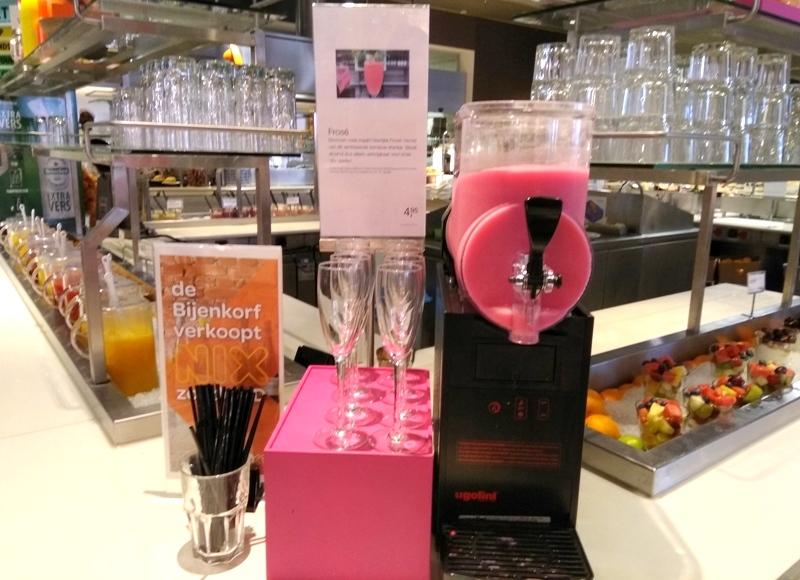 Bijenkorf pink frose frozen ice alcoholic drink slushie