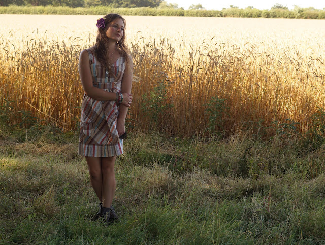 perfect summer dress in the countryside