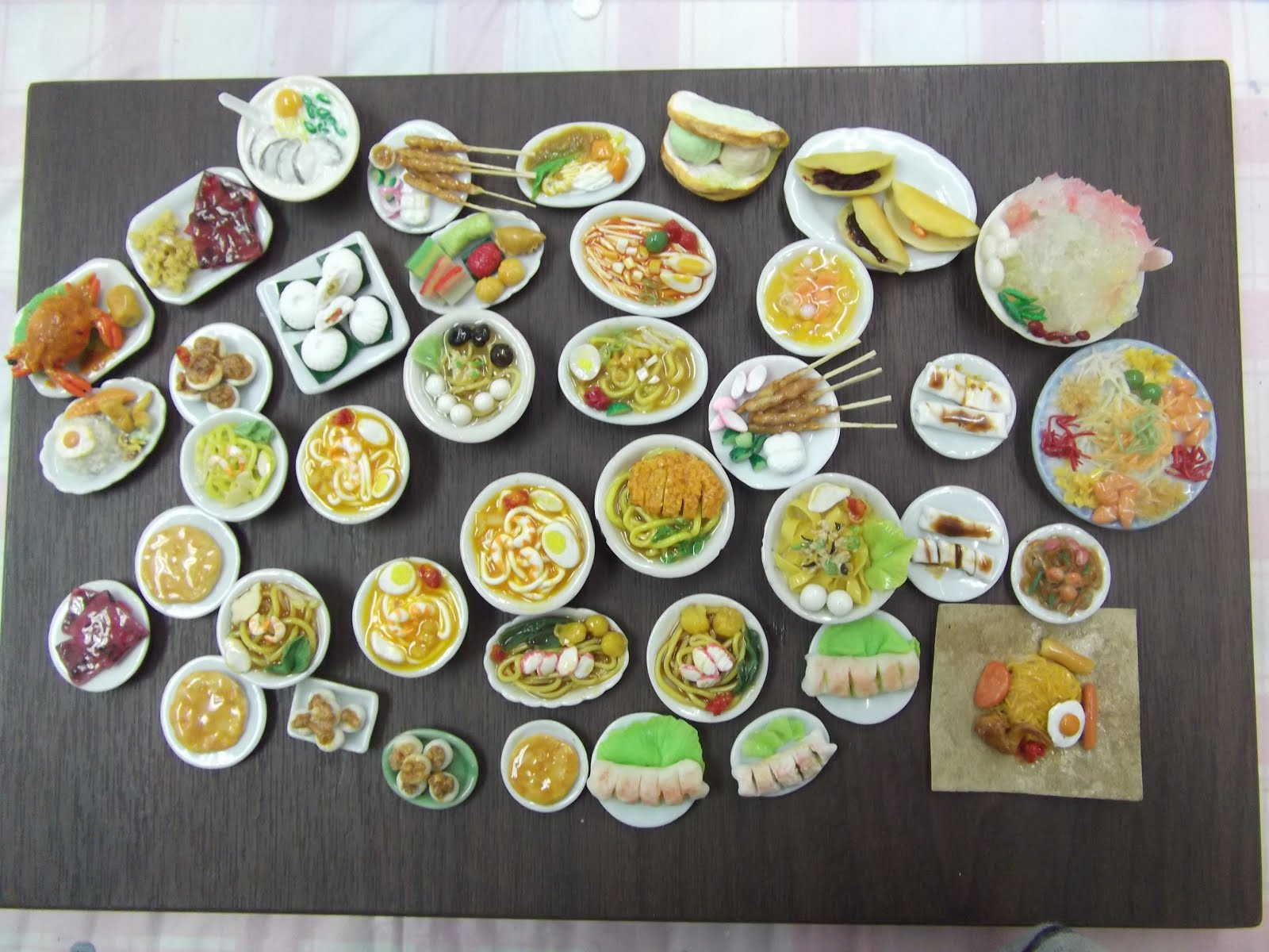 Kin's Miniature Workshop choose your own sweet time 24 pagoda St.  Chinatown MRT Exit A 3 mins