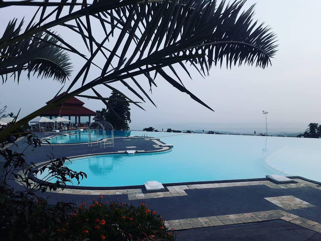 sky pool resort giri tirta kahuripan
