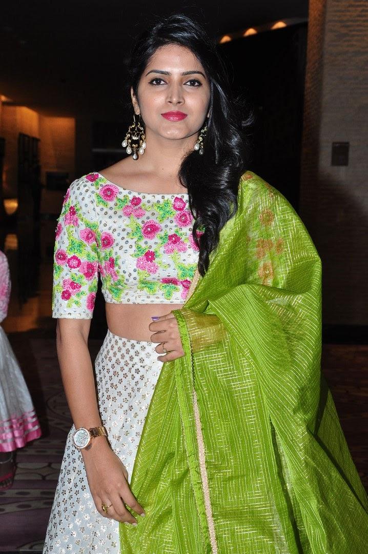 actress pavani gangireddy wiki height weight age