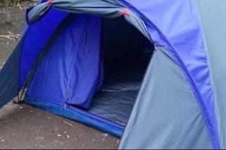 Lantai tenda