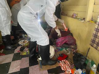 Polres Lingga Lakukan Olah TKP Mayat Di Rumah Kosong