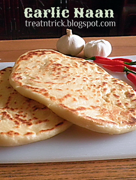 Garlic Naan Recipe @ treatntrick.blogspot.com
