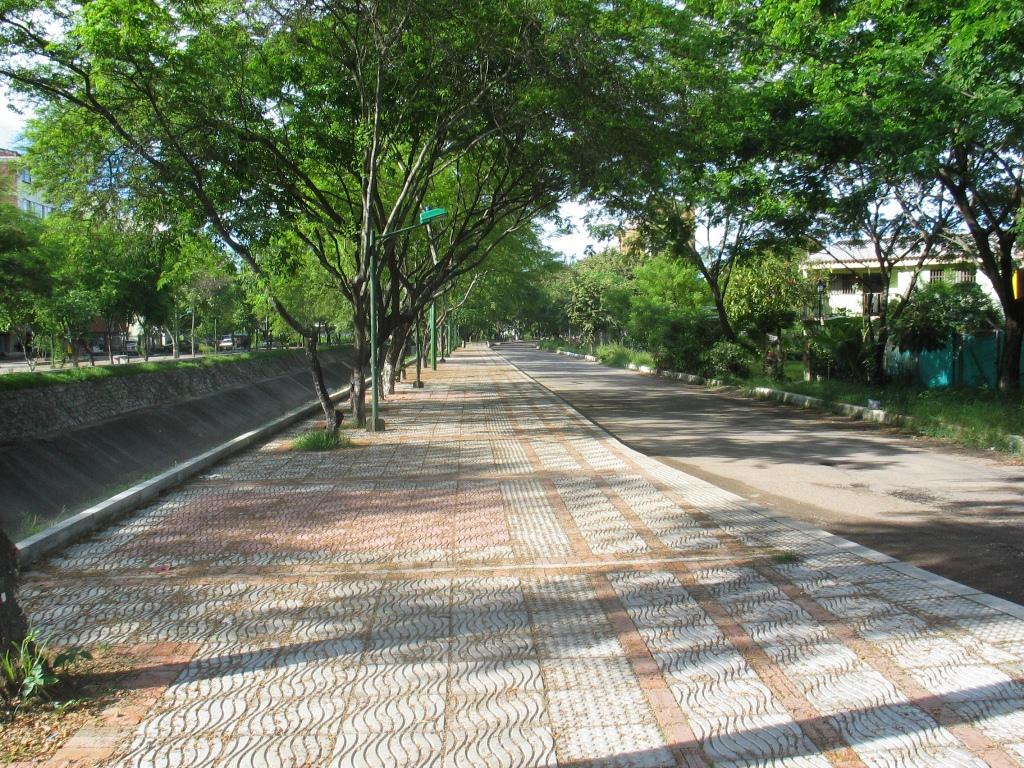 Neiva Huila Colombia: MALECÓN RIÓ MAGDALENA NEIVA HUILA