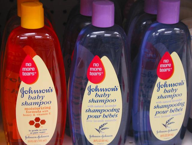 Johnson & Johnson admite: Nuestros productos para bebés contienen formaldehído que causan cáncer
