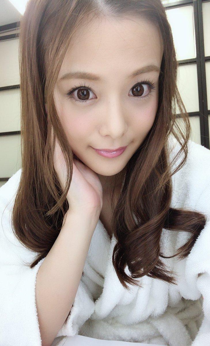 三上悠亜 vs. 橋本ありな!14位女優總動員!S1超豪華15週年慶 ...
