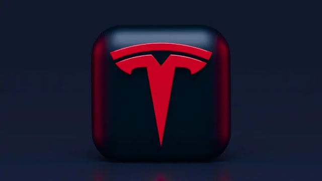 "Tesla: ""Megapack"" energy storage plant catches fire."
