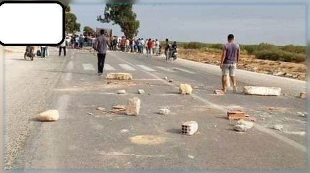 المهدية : غلق الطريق الرابطة بين الجم وصفاقس اثر وفاة طفل في حادث مرور