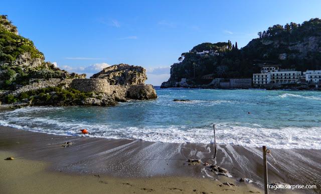 Praia de Mazzarò, em Taormina, Sicília