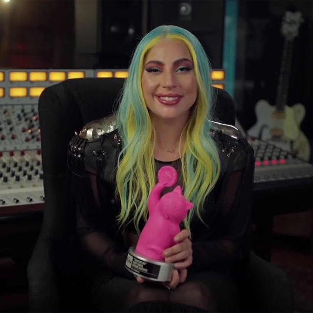 Lady Gaga Wins Two Awards at MTV MIAW Brazil