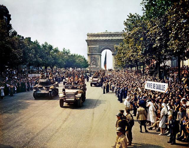 [Viajando na História] O mês de Julho na História - Inauguração do Arco do Triunfo