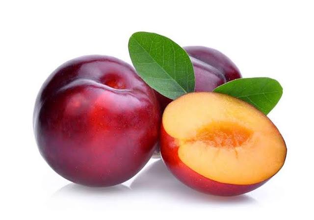 Manfaat buah plum merah, baik untuk diet serta kulit