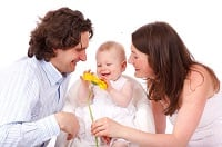 Mamma, papà e bambino in salute