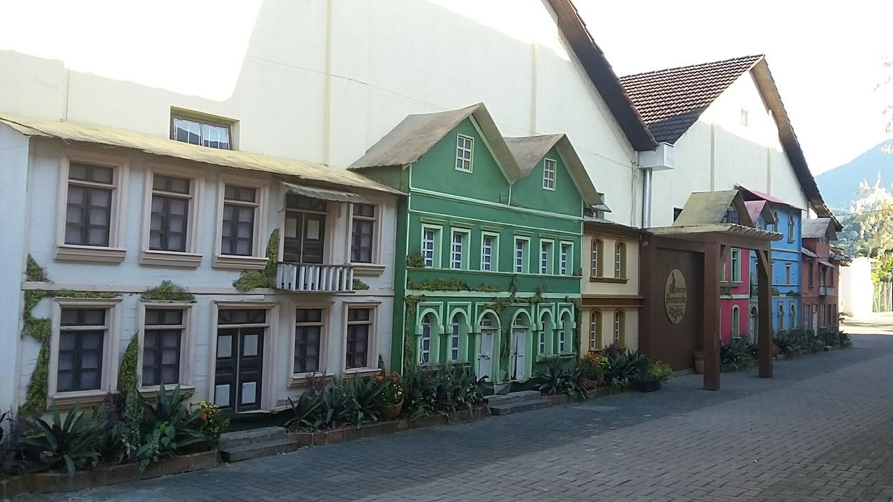 Pomerode - conheça a Osterbaum e Osterfest