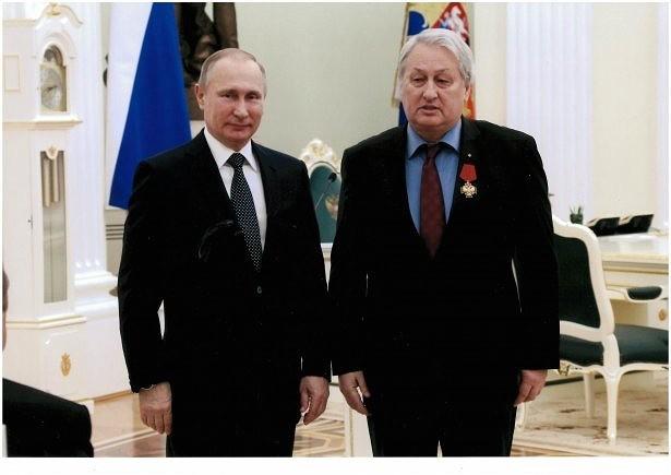 V.V.PUTIN and General GRU LEONID RESHETNIKOV photo